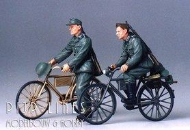 Duitse Soldaten met Fietsen