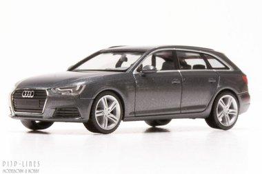 Audi A4 avant. Grijs metallic.