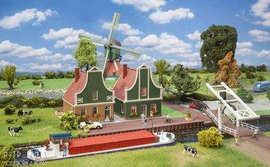 De Zaanse Schans huizen, brug en vrachtschip set
