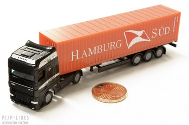 DAF XF Sz met Hamburg Süd container