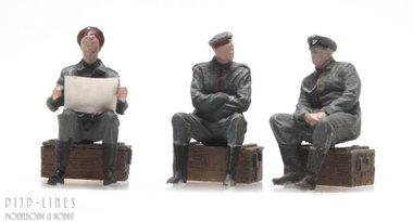 WOI Duitse soldaten in rust 3 stuks