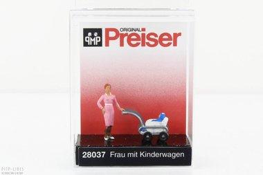 Vrouw met kinderwagen