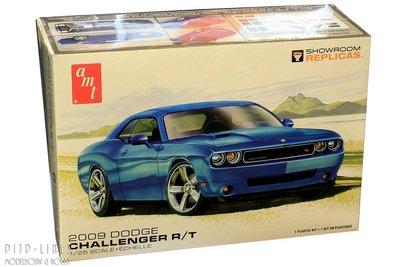AMT 1117 Dodge Challenger R/T 2009 1:25