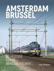 Uquilair Boek Amsterdam Brussel