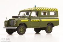 Brekina-13764-Land-Rover-109-Royal-Air-Force