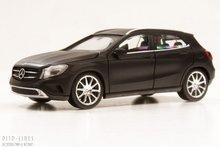 Herpa-38348-Mercedes-Benz-GLA-1:87