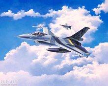 Revell 03905 F-16 MLU 100th Anniversary 1:72