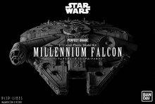 Revell 01206 BanDai Star Wars Millennium Falcon 1:72